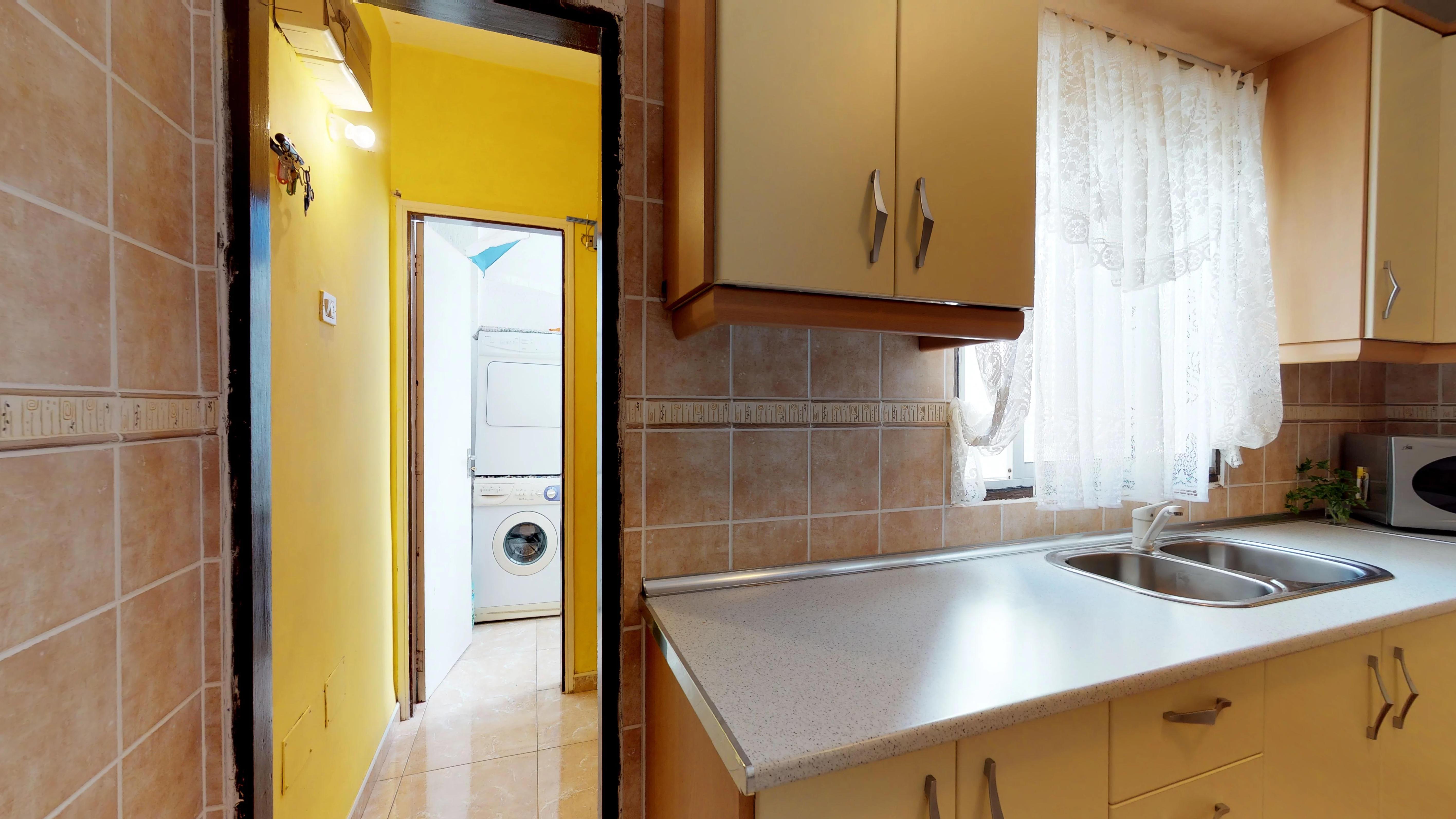 Moderno Apartamento Cocina Terapia De La Compra Imagen - Como ...