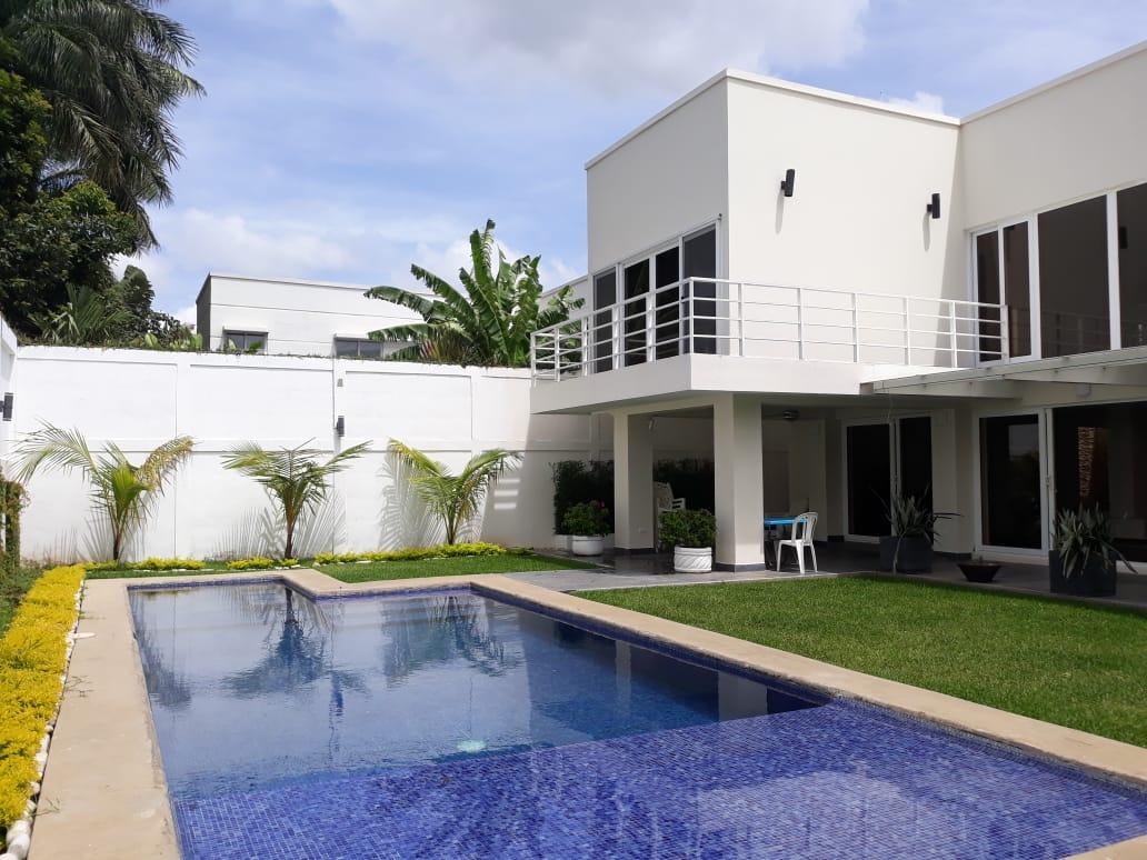 Beautiful House With Pool Estancia Santo Domingo For Rent